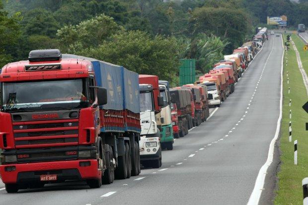 AGU pede ao STF para aplicar mais R$ 506,5 milhões em multas a 46 empresas transportadoras