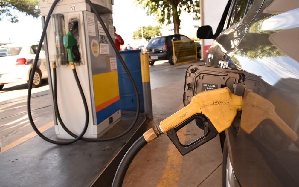 ANP fará consulta pública sobre periodicidade de reajustes dos combustíveis