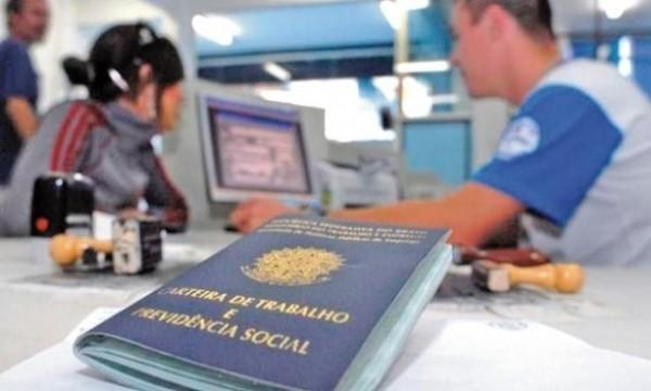 Em dois anos, indústrias do Paraná fecham 82,6 mil postos de trabalho