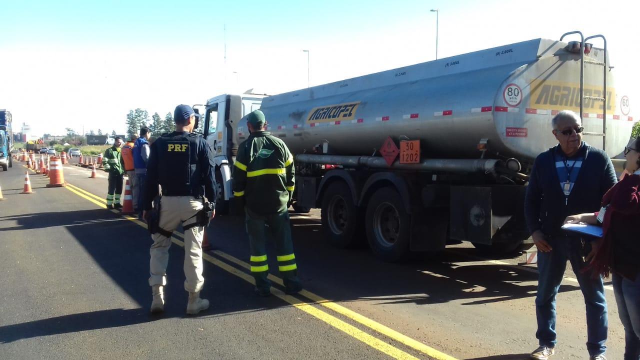 Órgãos de segurança pública realizam fiscalização de transporte de produtos perigosos