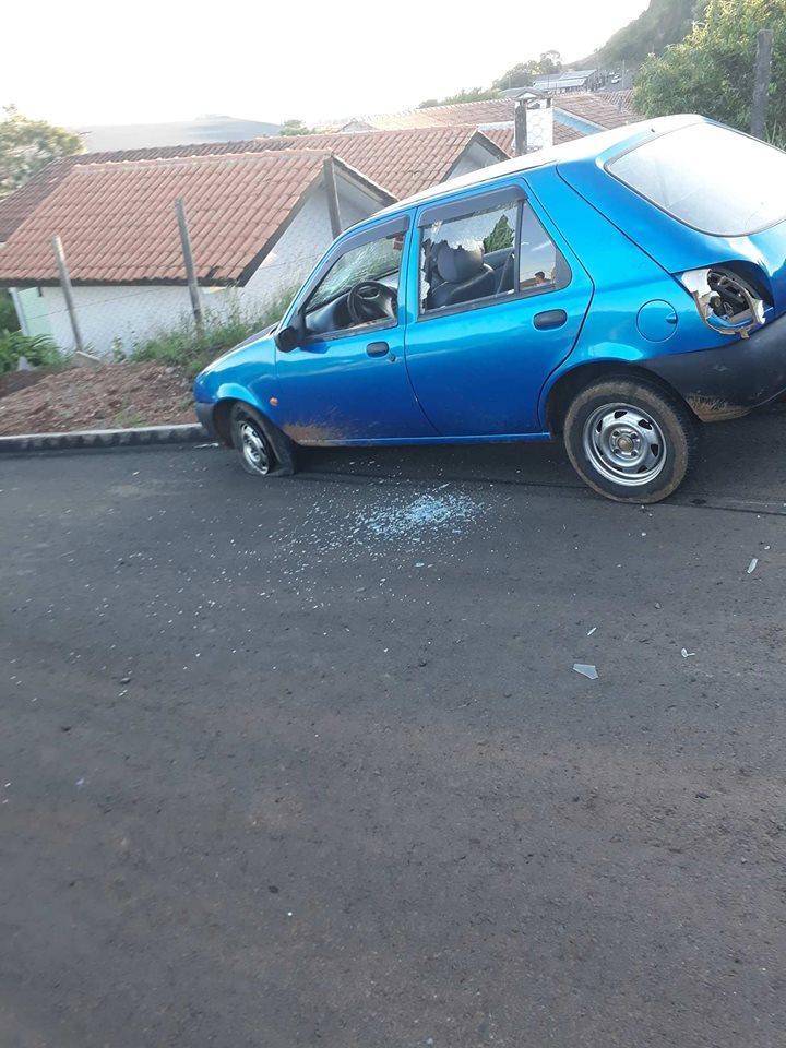 Laranjeiras: Carro atropela duas crianças no Sol Poente. Uma das vítimas morreu no local