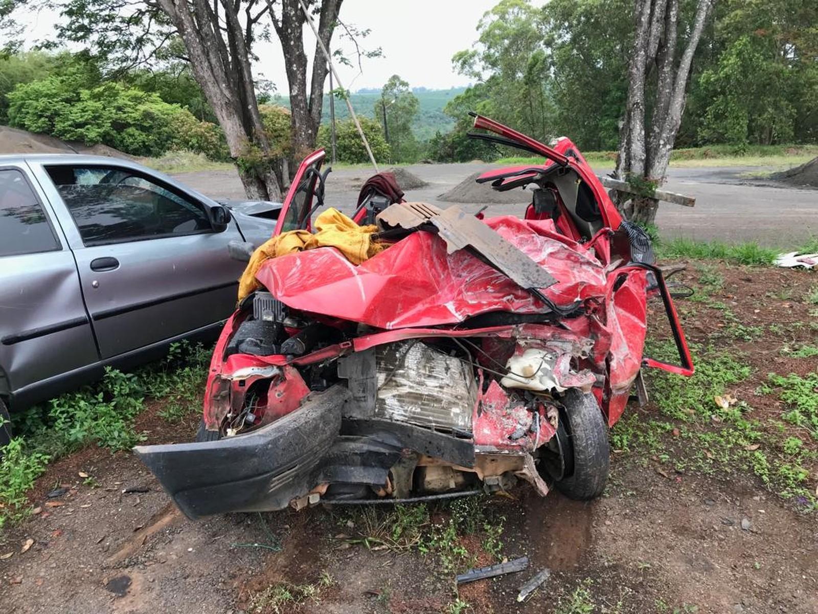 Acidente  deixa cinco mortos e dois feridos em rodovia no interior do Paraná
