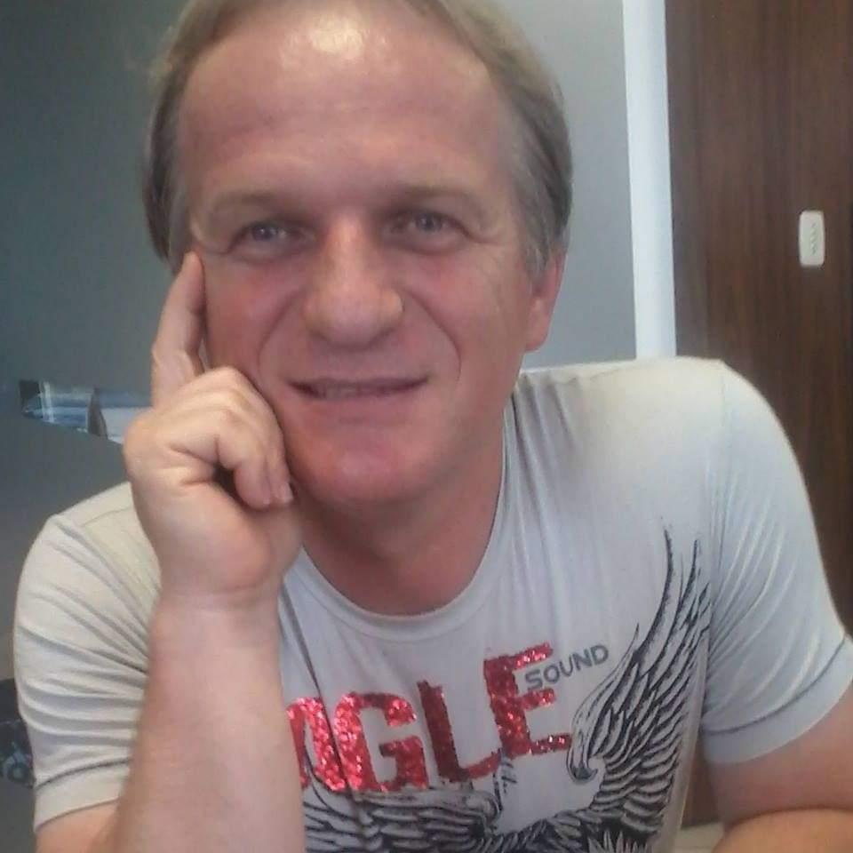 Professor da UFFS morre após ser internado com  ferimento à faca