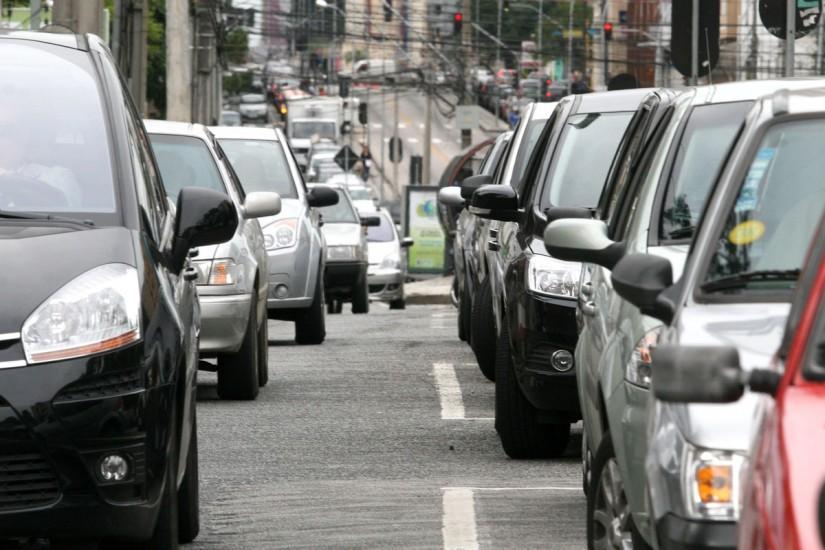 Proprietários de veículos no Paraná devem R$440 milhões de IPVA