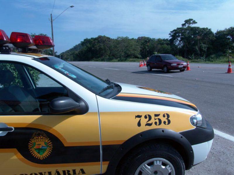 Veículo capota após colisão com outro carro na PR 170 em Guarapuava