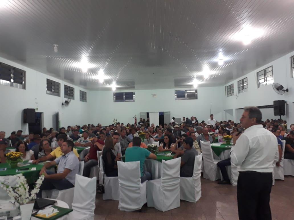 Assembleia Sicredi em Nova Laranjeiras tem grande número de participação