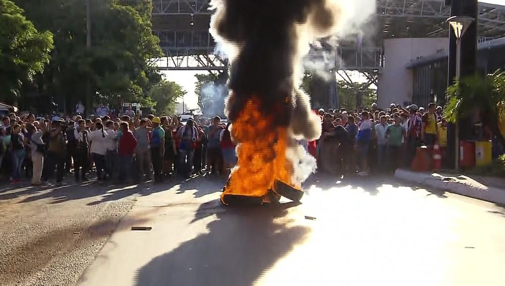 Moradores de Cidade do Leste fazem protesto contra prefeita