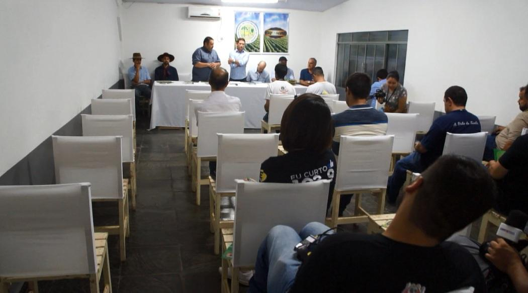 Presidente Wanderlei Portela reuniu a imprensa ontem à noite