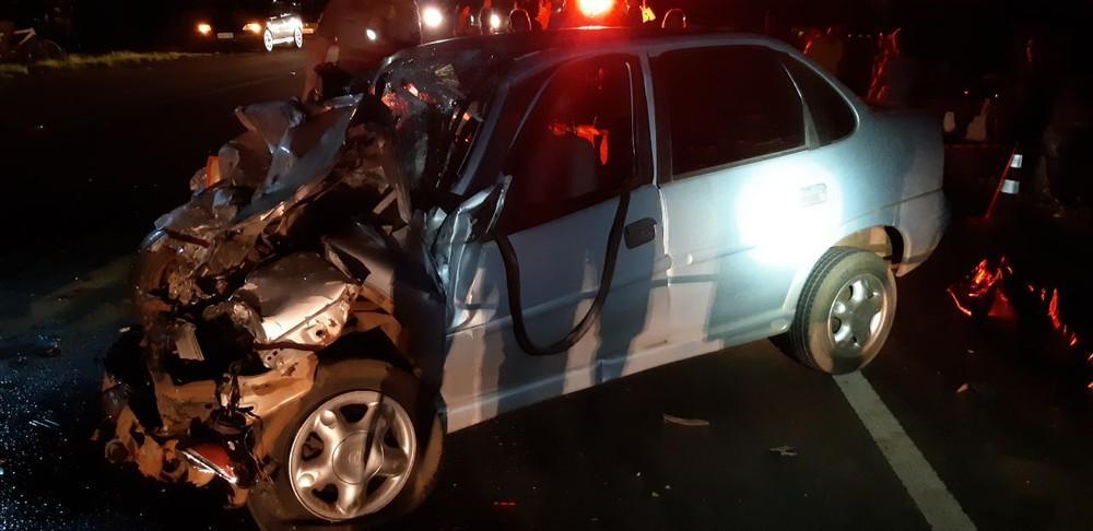 Homem morre em acidente entre carro e caminhonete na BR-373, em Candói