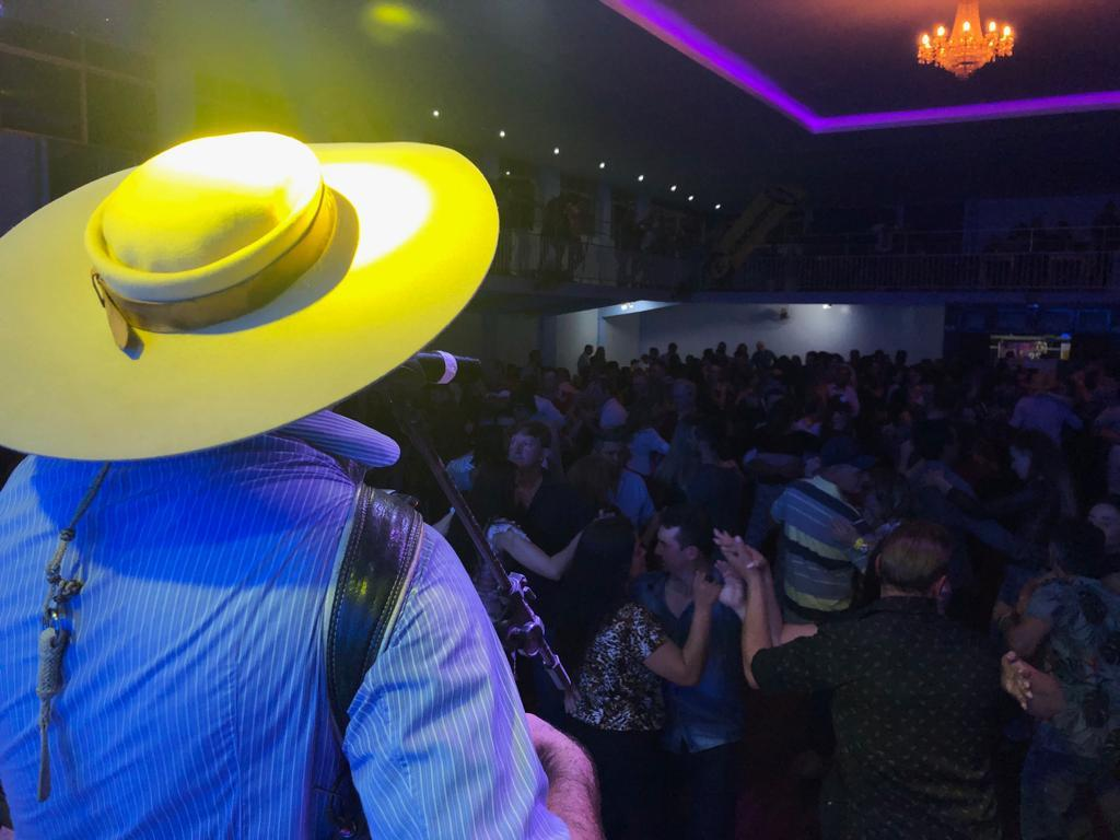 Mega Baile da Educadora FM reúne público recorde no ITC