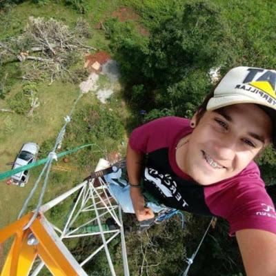Jovem morre após cair de torre de internet enquanto trabalhava em Marquinho