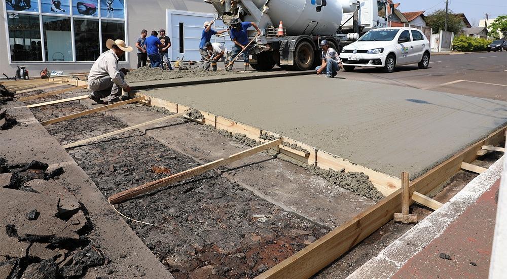 Prefeitura inicia construção de mais sete novas travessias elevadas em Laranjeiras do Sul