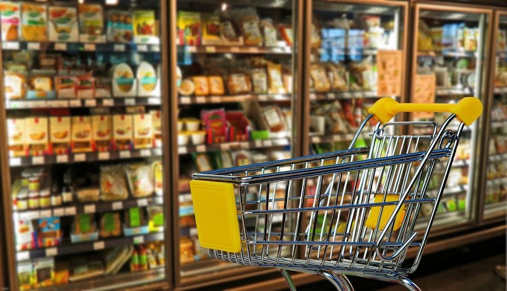 Supermercados do Paraná têm até março de 2020 para se adaptar à lei que torna limpeza de carrinhos obrigatória