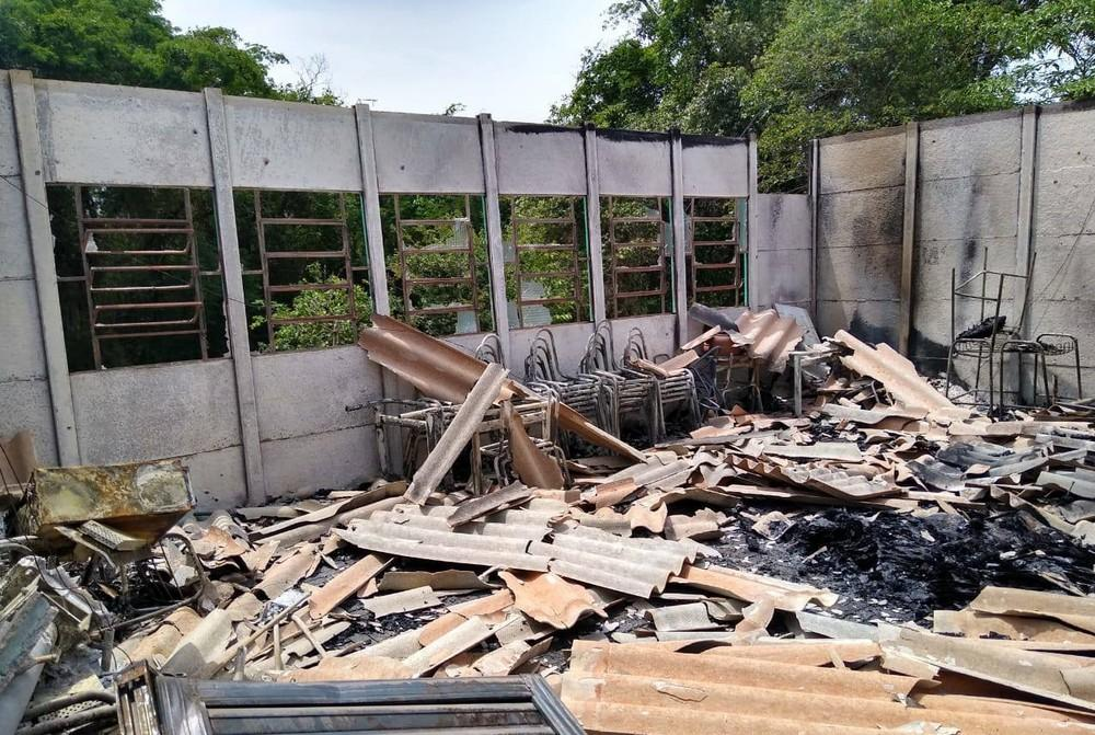 Escola tem bloco destruído por incêndio em Pitanga