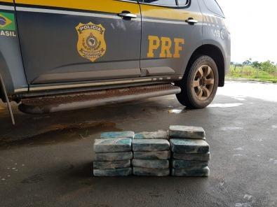 PRF apreende carro carregado com 208 quilos de maconha em Céu Azul