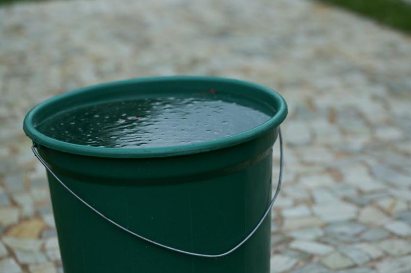 Resultado de imagem para TRAGÉDIA: Criança de 1 ano morre afogada dentro de balde