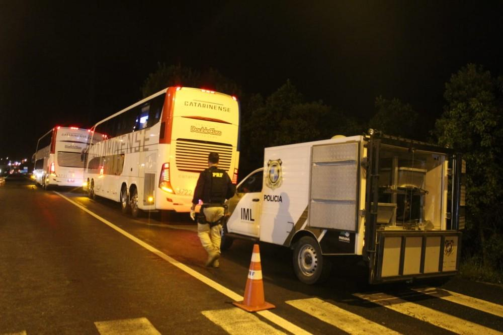 Em tentativa de assalto a ônibus de linha na Região de Curitiba, 3 suspeitos morrem