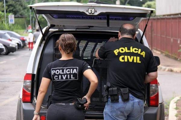 Sete policiais civis são presos por suspeita de desviarem carga roubada em Londrina