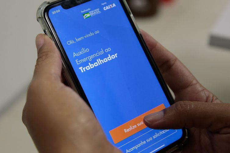 Auxílio Emergencial: Caixa paga 3ª parcela a 1,9 milhão de beneficiários do Bolsa Família