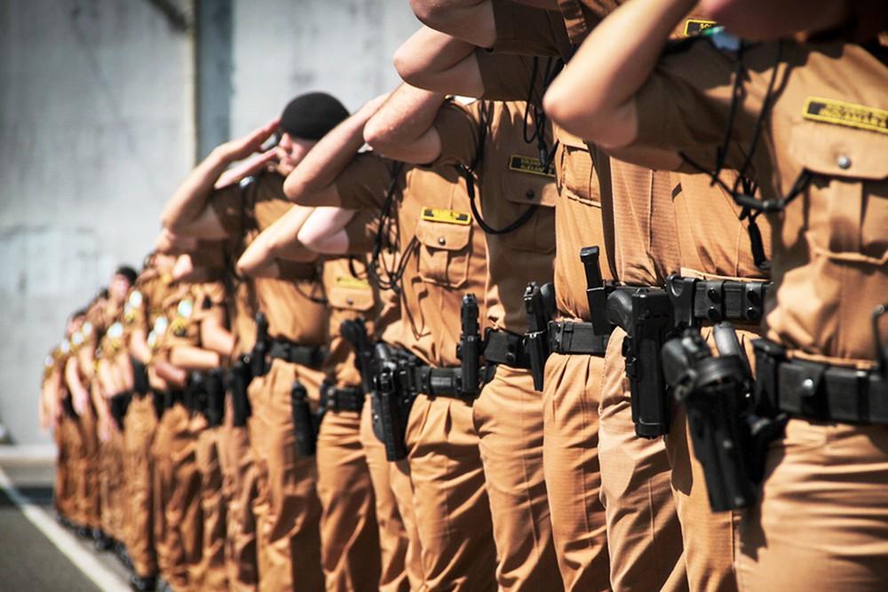 Após alteração em edital, PM-PR anuncia reabertura de concurso com 2,4 mil vagas para policial e bombeiro