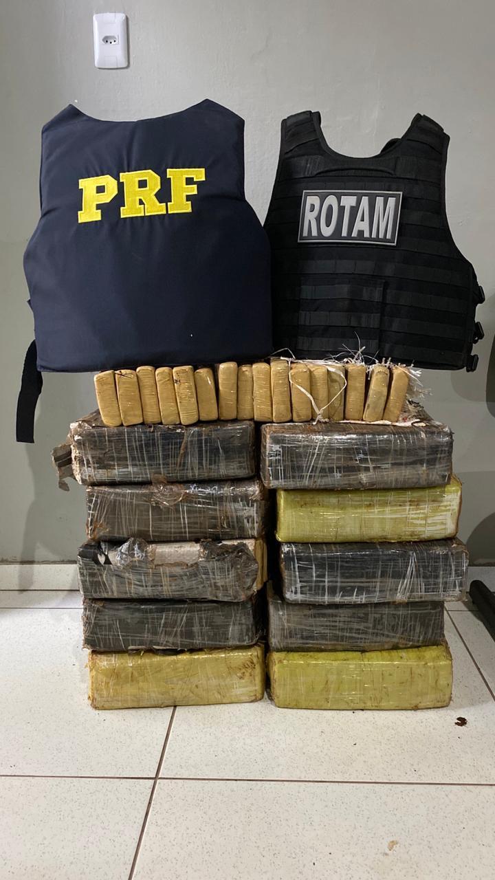 Após perseguição, PRF e ROTAM de Laranjeiras do Sul apreendem quase 200 kg de maconha
