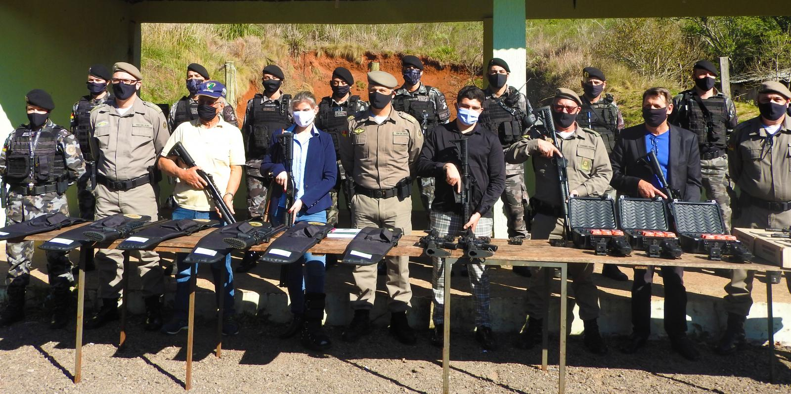 Forças de segurança do norte do RS são equipadas com doação da Rede de Farmácias São João