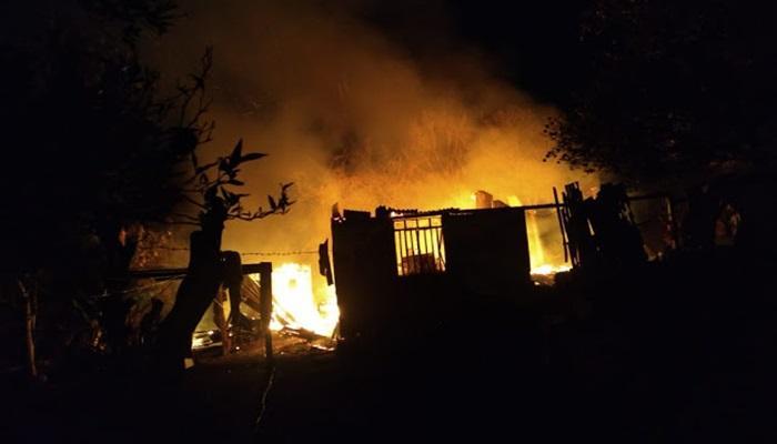 Incêndio destrói residência em Cantagalo