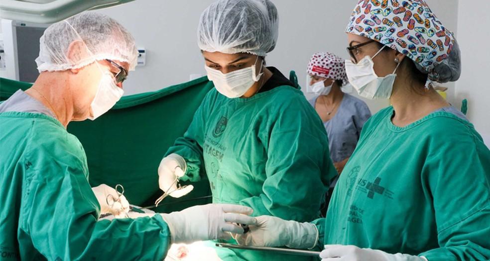 Saúde autoriza hospitais privados fora do plano de atendimento de Covid-19 a retomarem cirurgias eletivas no Paraná