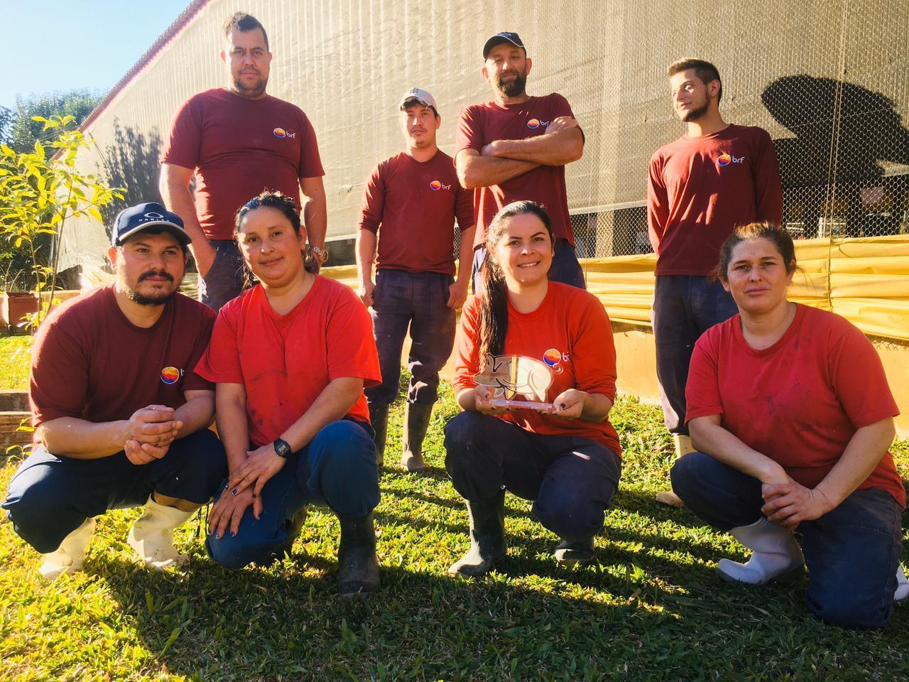 Região da Cantu tem destaque de suinocultores da BRF. Prêmio integrou mais de 100 produtores, inclusive da região oeste do Paraná.